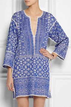 blue and white stem printed V-cotton tunic top