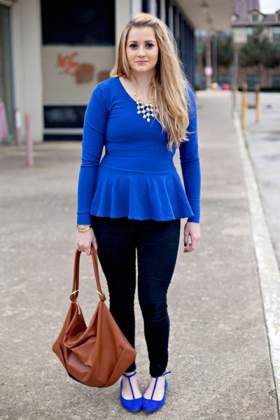 royal blue peplum top with matching ballet flats and black skinny jeans