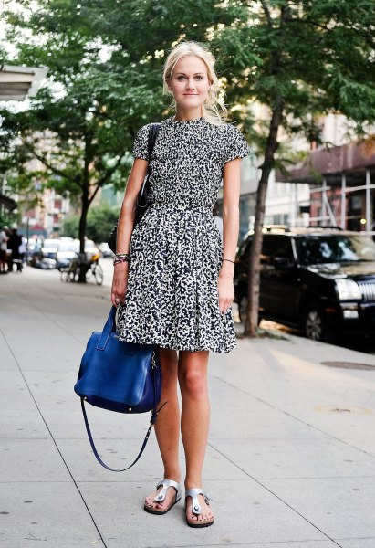 floral printed collar waist puffy dress with blue handbag