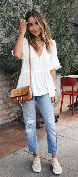 white short sleeve v-neck peplum blouse with boyfriend jeans