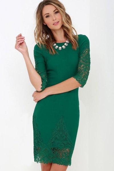 green half-heated mini bodycon mini lace dress with white necklace