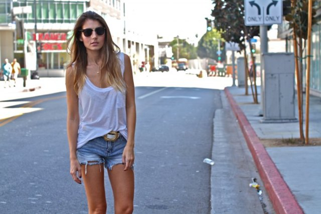 white scoop neck top with cut denim shorts