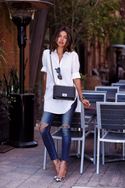 white cuff with tunic with ripped skinny jeans