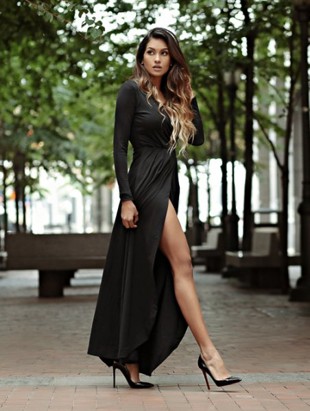 black long-sleeved scoop neck maxi blown dress