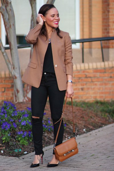 camel jacket with black skinny jeans
