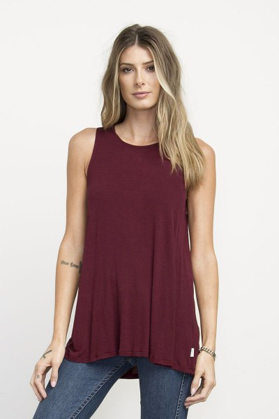burgundy tunic lounge with gray-blue skinny jeans