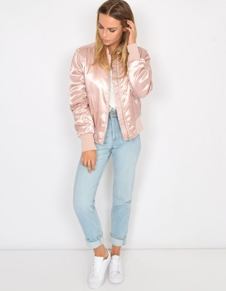 light pink cotton jacket in satin with white shirt and light blue jeans