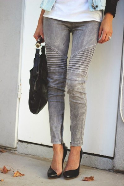 white t-shirt with gray skinny jeans and black heels