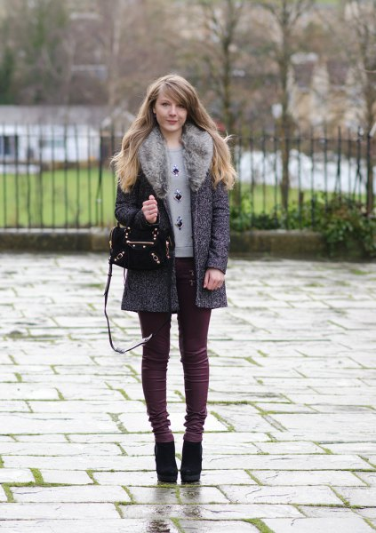 Heather gray faux fur collar caot with skinny jeans