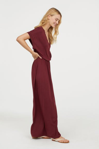 chocolate brown maxi wrap dress with white flip flops