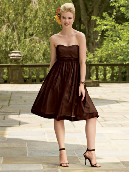 sweetheart neckline fit and flare midi brown dress