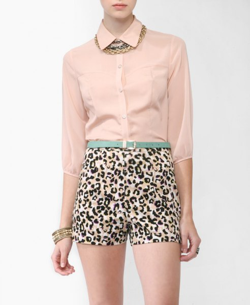 rose gold chiffon blouse with leopard print with high waist in mini shorts