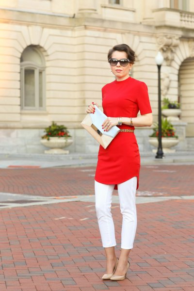 thin cut tunic top with white cropped slim jeans