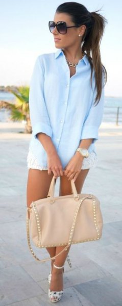 white mini lace shorts and pink leather bag