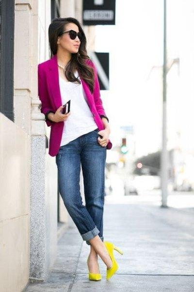 warm pink blazer with white blouse and yellow heels