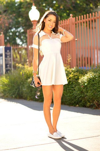 white semi-pure short-sleeved fit and flare mini dress with leather shoes
