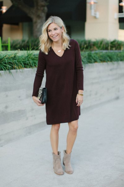 black V-neck sweater knee-length dress with gray boots