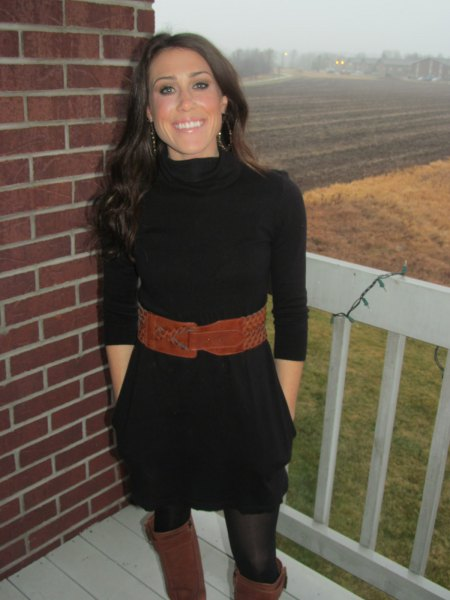 black mini half sleeve sweater dress with brown wide belt