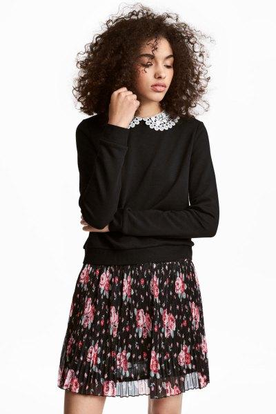lace collar black sweater and chiffon mini skirt