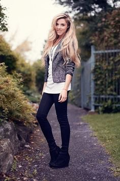 black boots with heather gray blazer and long white tee