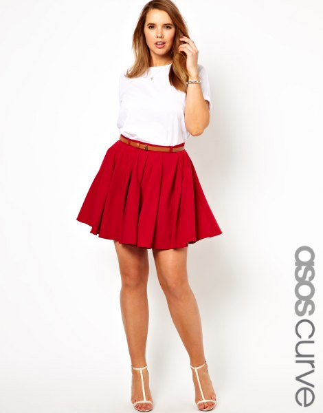 white t-shirt with belt pleated mini skirt