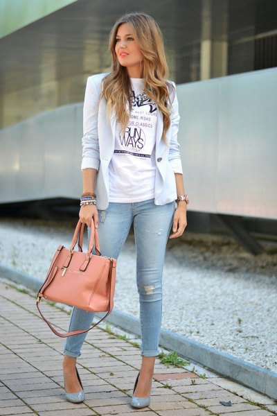 light blue blazer with white tee and cuffed skinny jeans