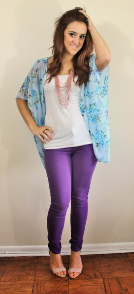floral chiffon blouse with wide sleeves with slim jeans and sandals