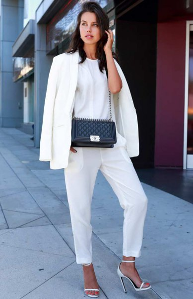 white oversized blazer and t-shirt