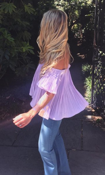 light purple from shoulder-length blouse with skinny jeans