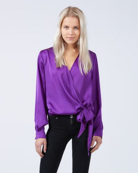 silk knot wrap top with black skinny jeans