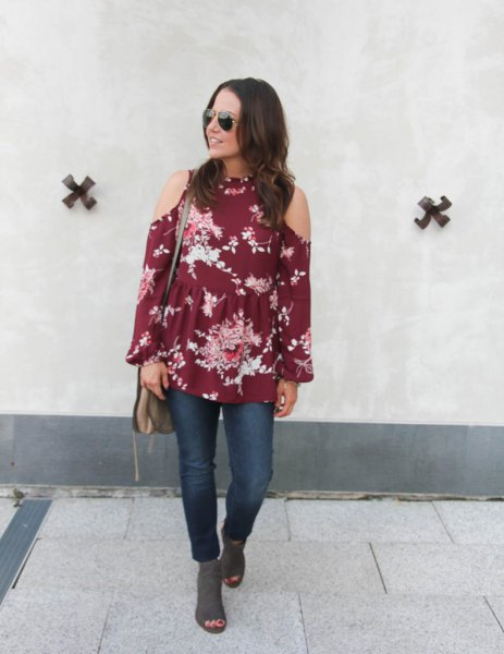 green cold shoulder floral printed blouse with gray suede with open toe