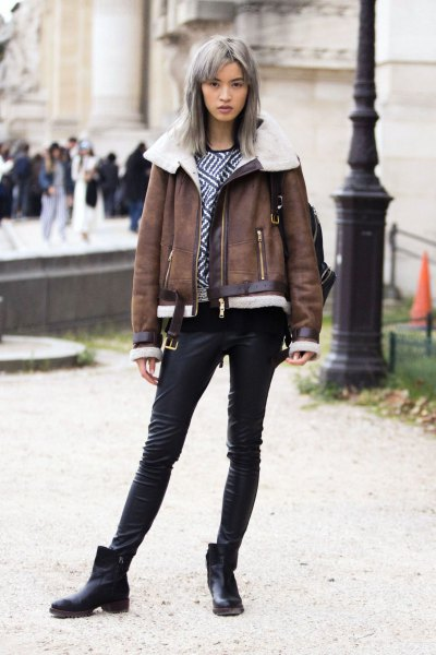 gray leather jacket in faux fur with short leather shoes