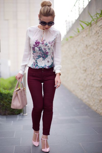white chiffon floral blouse with black skinny pants