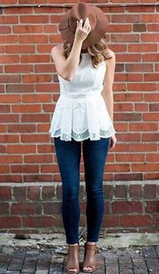 white lace sleeveless blouse with dark blue skinny jeans