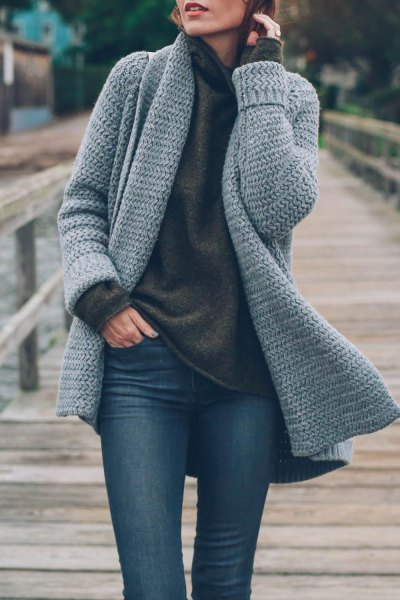 dark gray sweater with jacket and skinny jeans