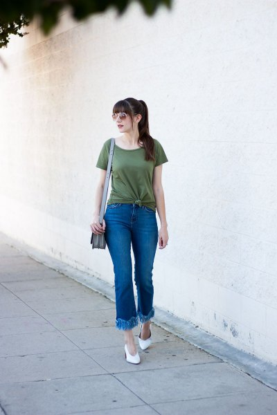 green knit t-shirt with extended fringed jeans