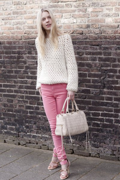 white cropped sweater with pink skinny jeans