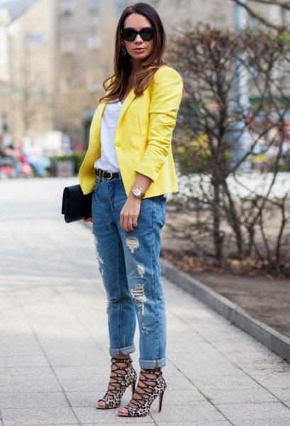 lemon yellow blazer with cuffed boyfriend jeans