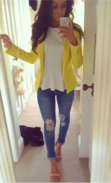 yellow blazer with blue ripped skinny jeans