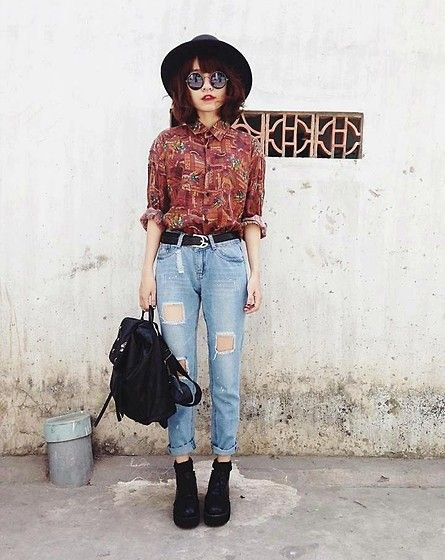 brown printed vintage up shirt with high waist ripped jeans