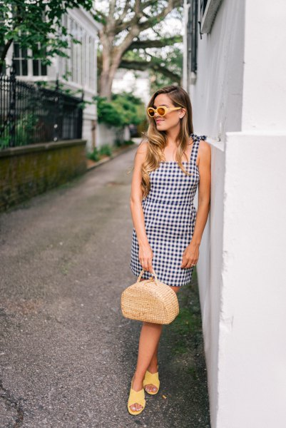 checkered mini-fit and puffy pendant dress