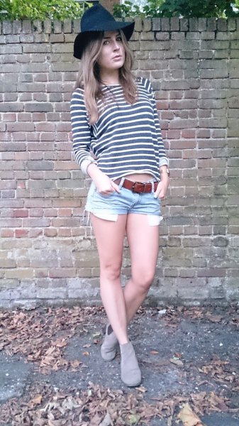 dark blue denim floppy hat with gray and white striped t-shirt