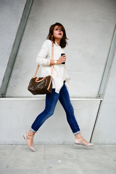 white long sleeve button up shirt with jeans and pink striped leather ballet flats
