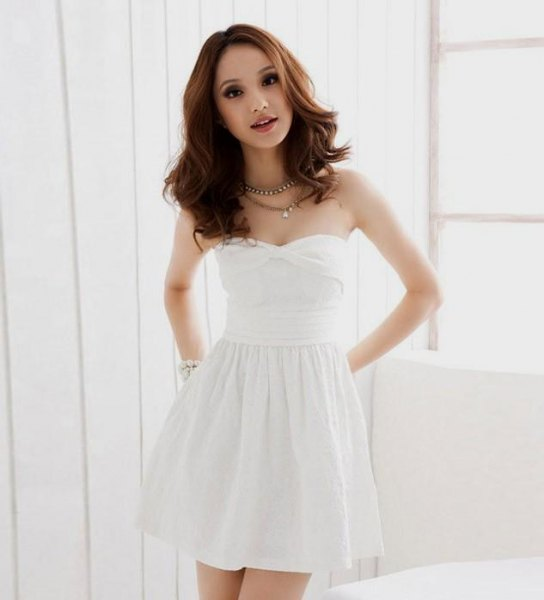 white sweetheart neckline mini skater dress