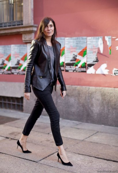 leather blazer with gray tee and black skinny cropped jeans