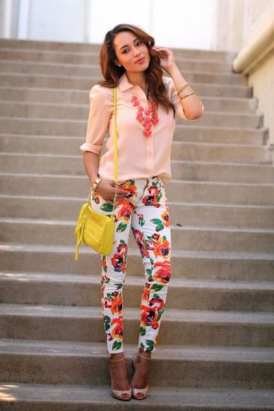 light yellow button shirt with pink heels with open toe