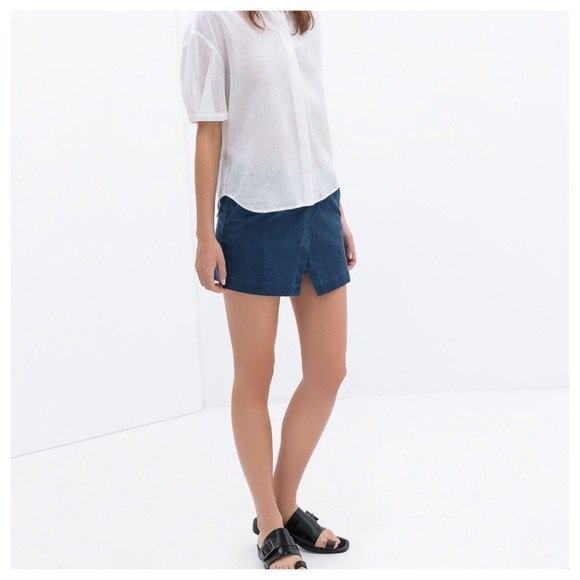 white casual fit-up shirt with dark blue shirt