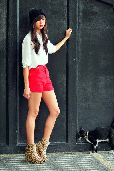 white chiffon button up half-heated shirt with red shorts