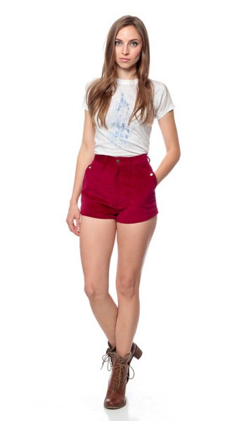 white print tee with burgundy shorts