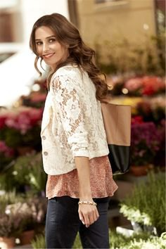 white lace jacket with crepe top black skinny jeans